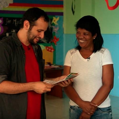 A Adriana, presidente da Creche Mundo Infantil, utiliza a economia na conta de energia para comprar alimento e material didático para as crianças da Creche.